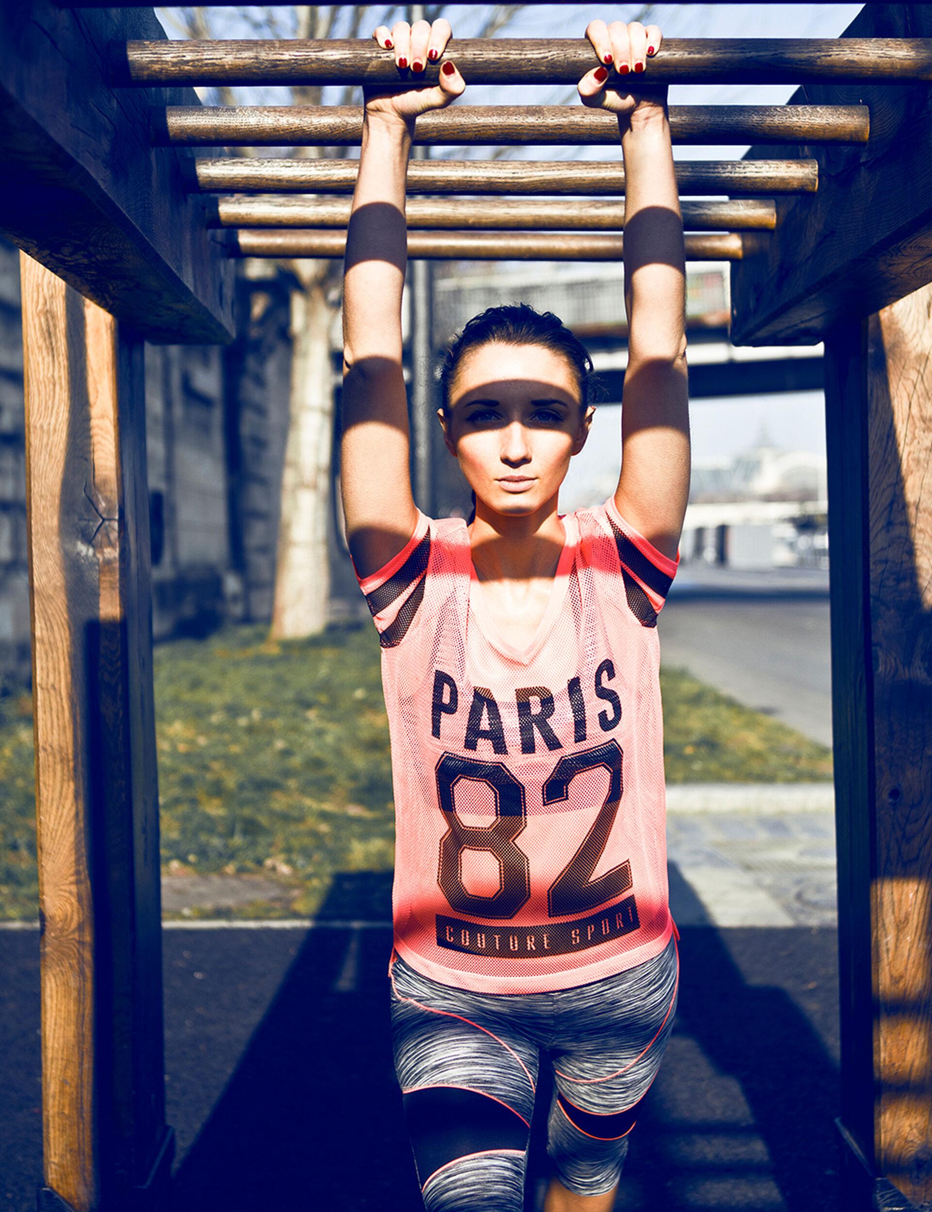Tee-shirt résille imprimé paris 82 rose fluo