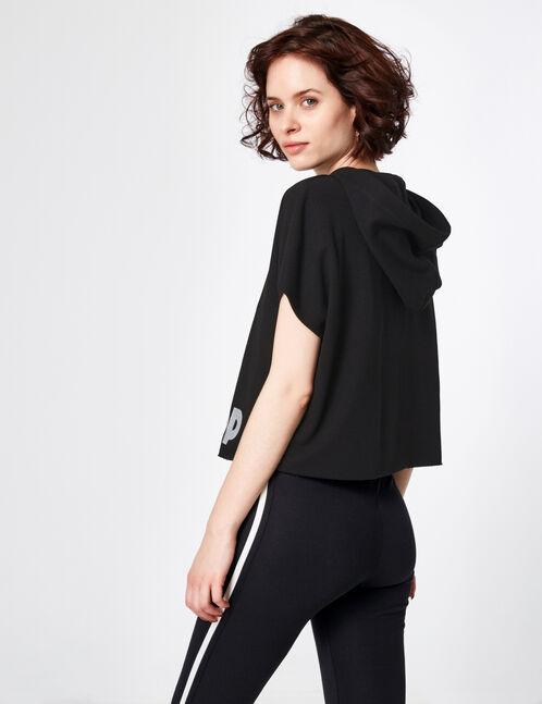 Black short-sleeved hoodie