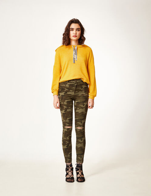 Khaki camouflage high-waisted ripped trousers