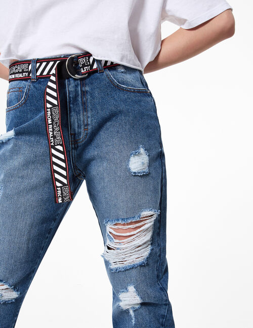 Distressed mom jeans with belt