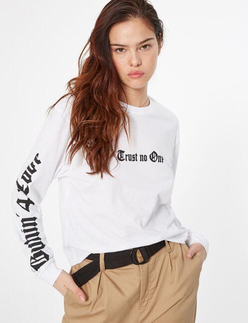 """trust no one"" t-shirt"