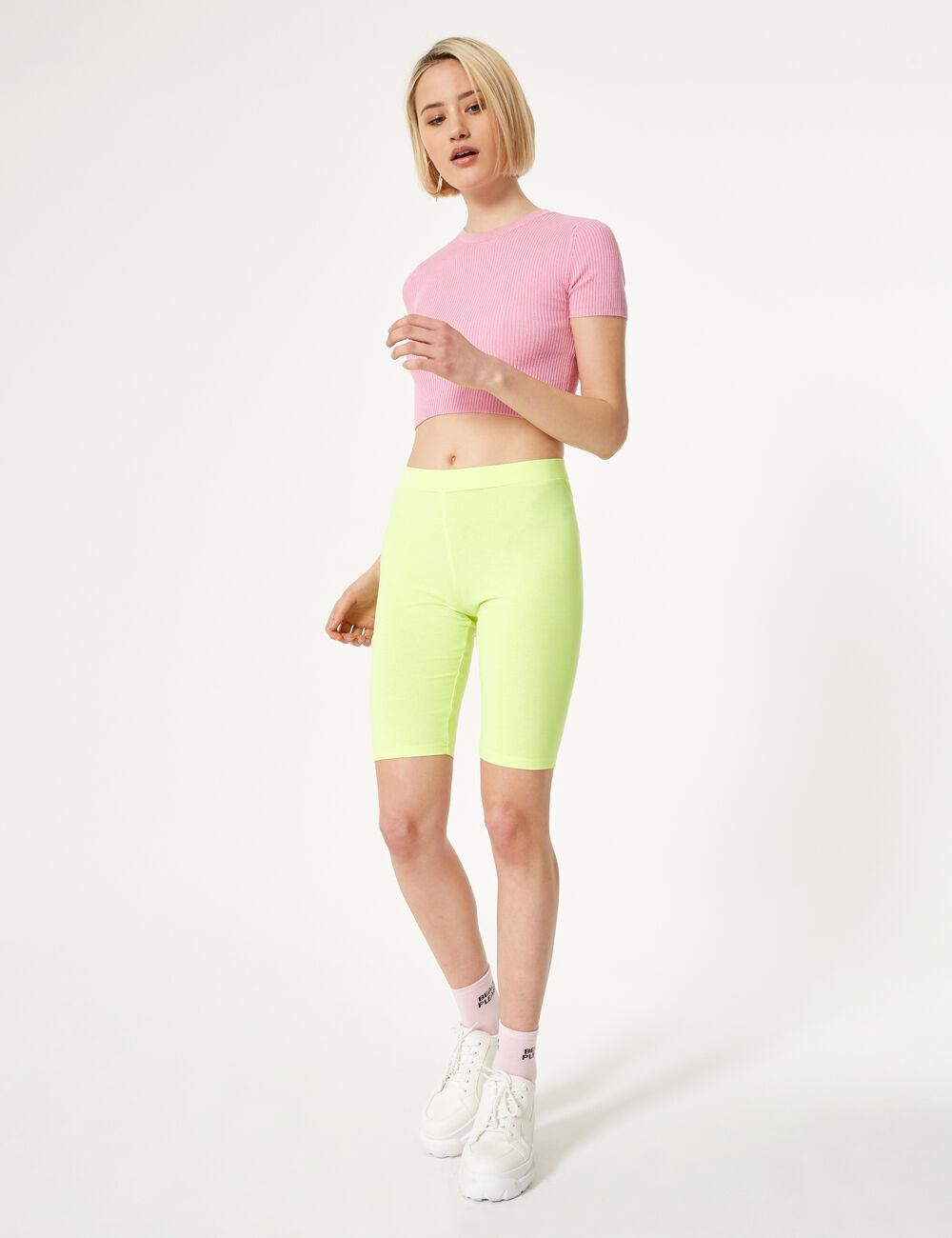 short cycliste jaune fluo