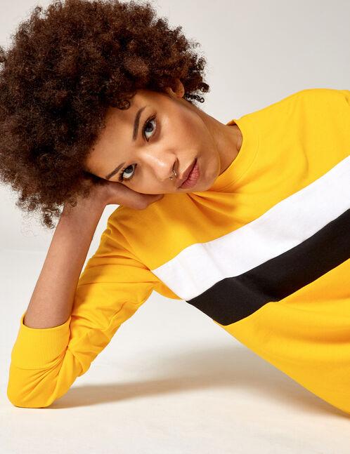 sweat avec bandes jaune, blanc et noir