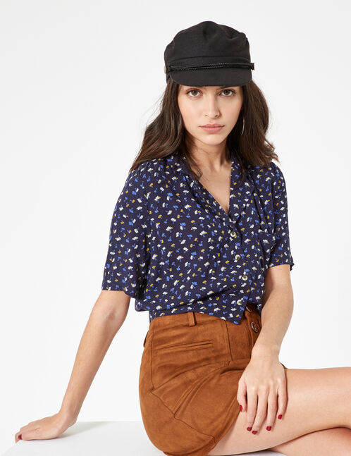 Cropped blue floral blouse