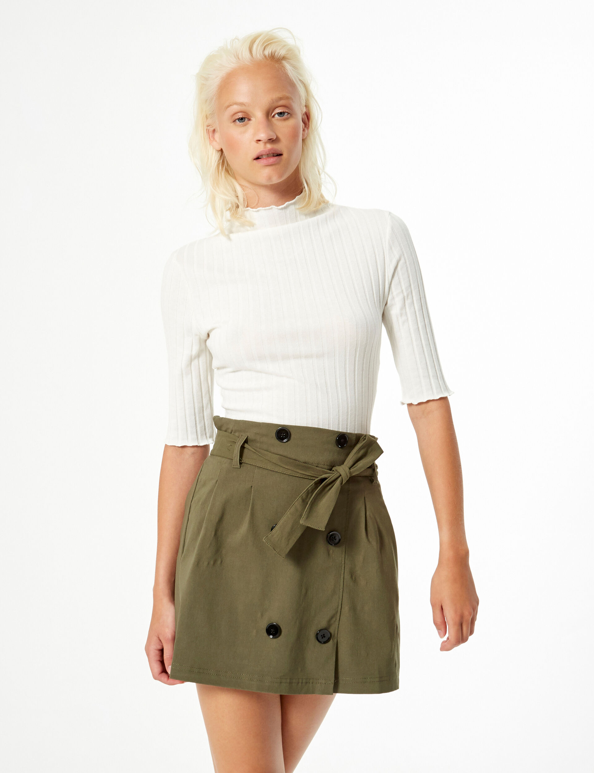 Skirt with button detail
