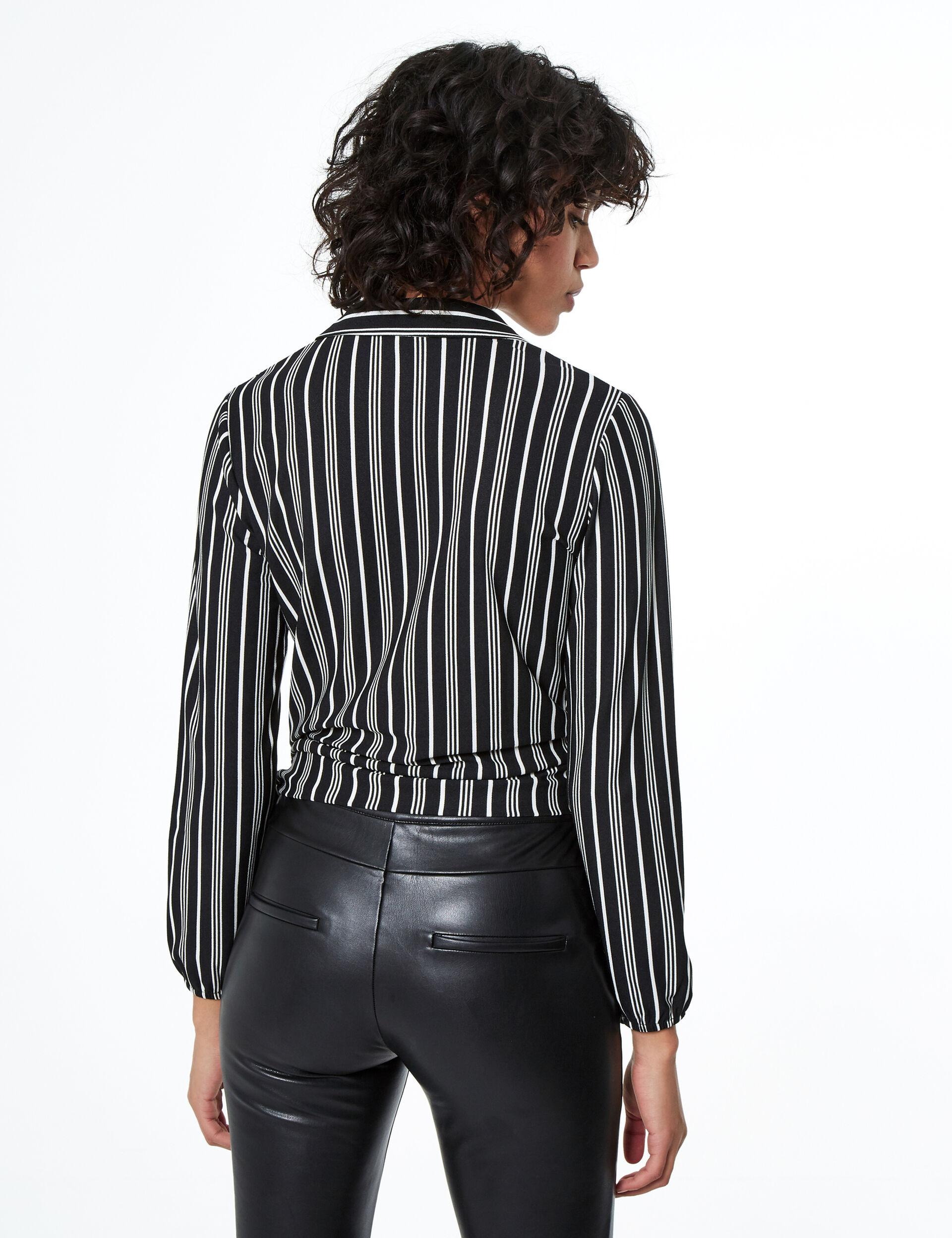 Tie-fastening striped T-shirt