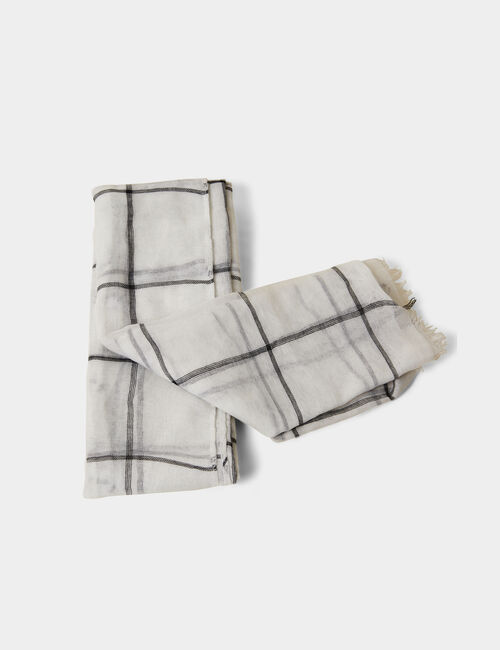 Grey and black checked scarf