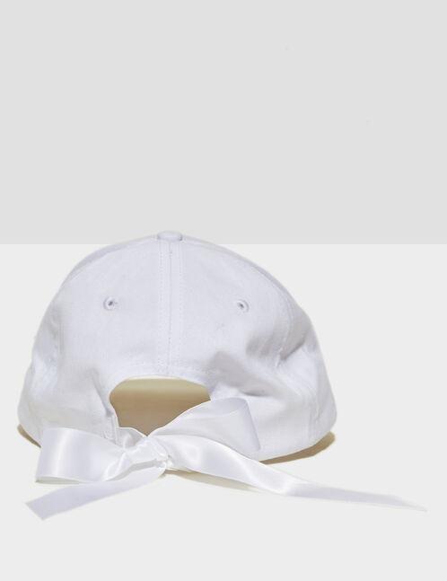 casquette avec noeud satiné blanche