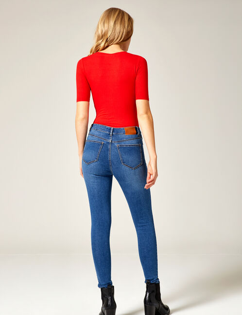 Medium blue high-waisted buttoned jeans