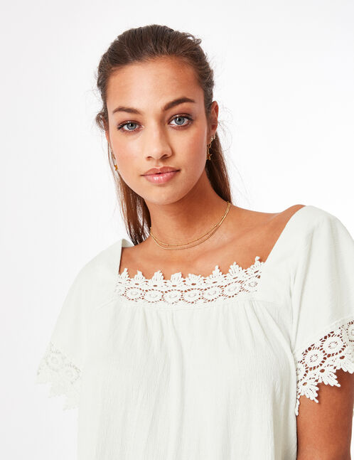 Cream T-shirt with lace detail