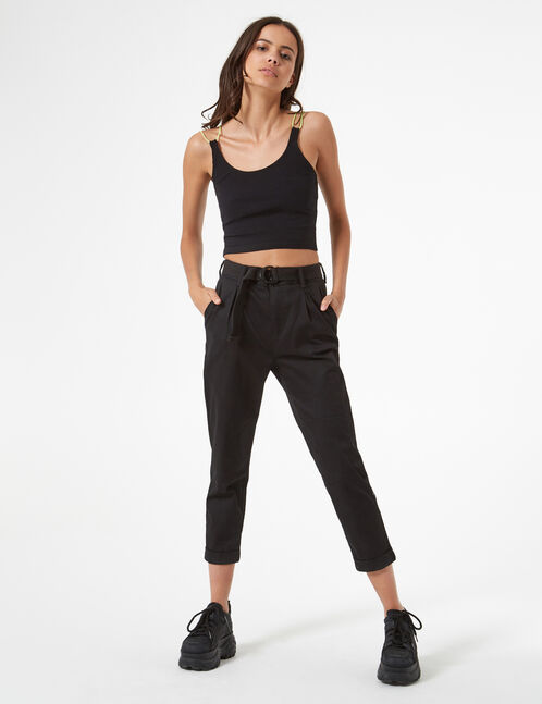 Trousers with belt