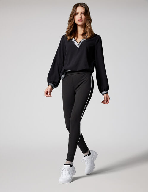 Black and white leggings with thin stripe detail