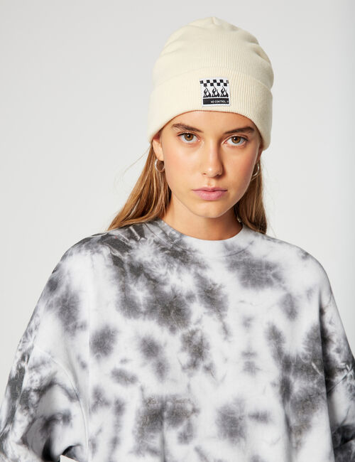 Basic beanie with a patch