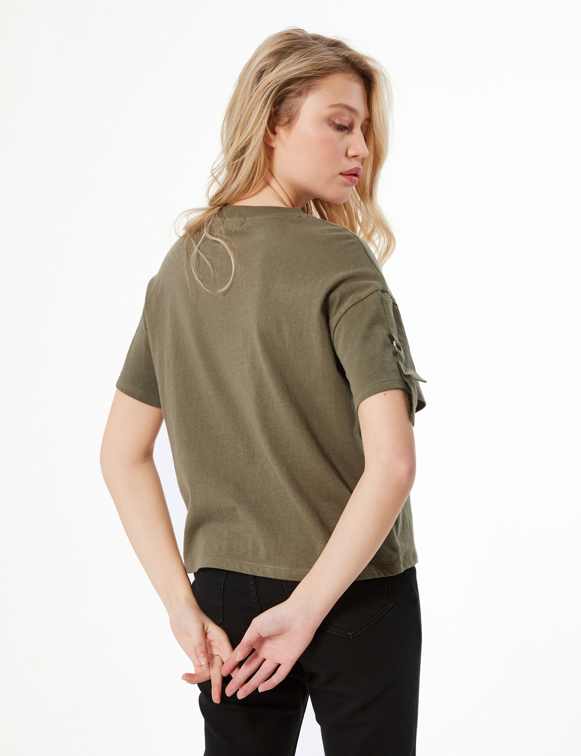 T-shirt with straps