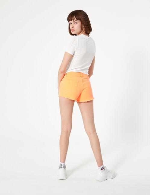 short finitions bords francs orange fluo