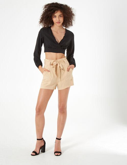 short taille haute à nouer