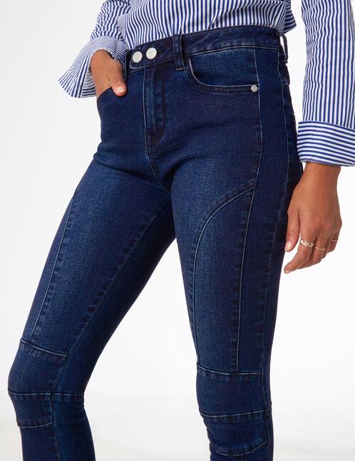 Medium blue jeans with seam detail