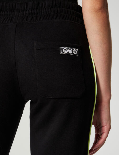 Joggers with contrasting piping