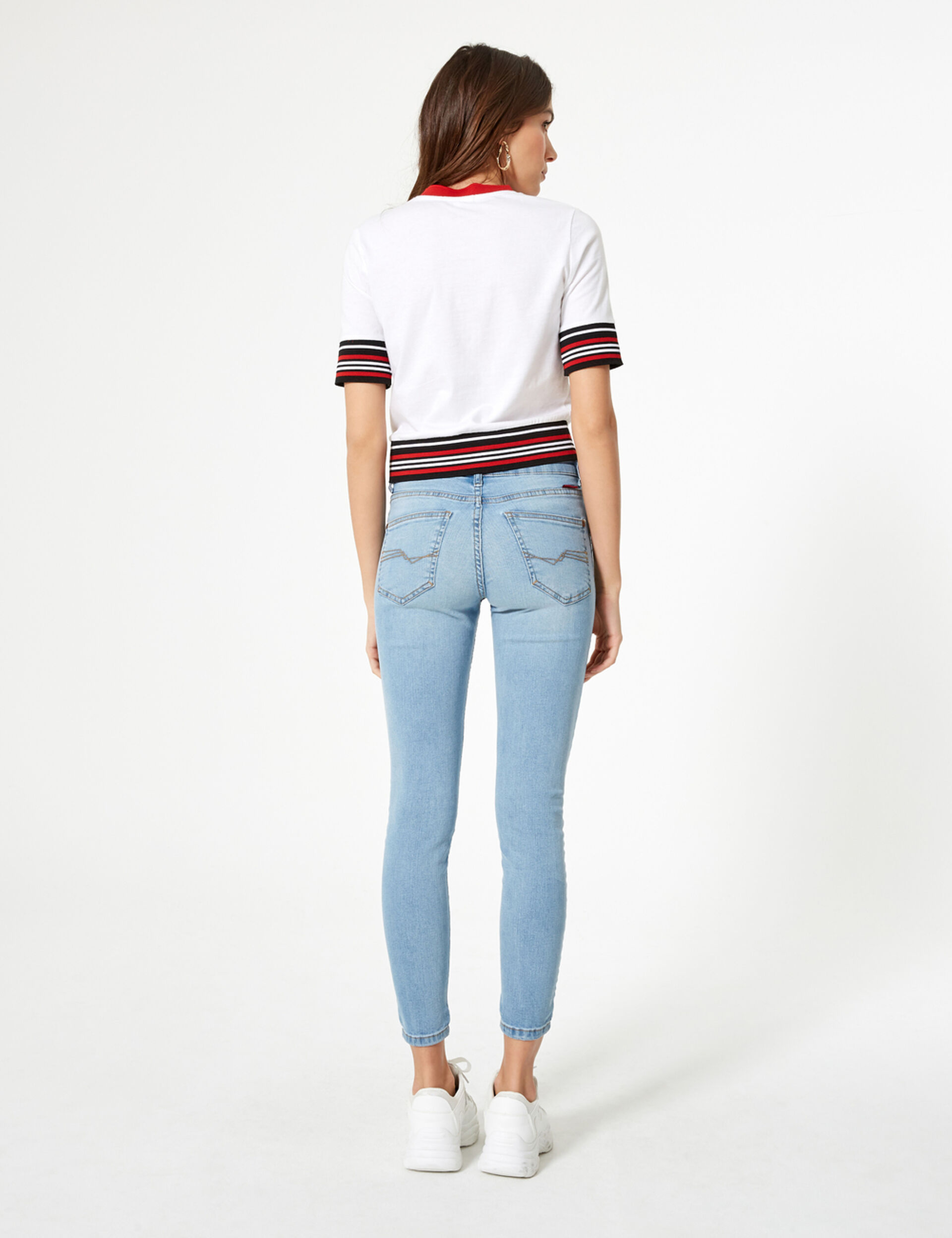 Light blue low-rise skinny jeans