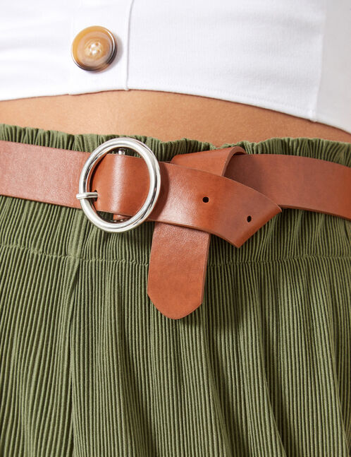 Brown round-buckle belt