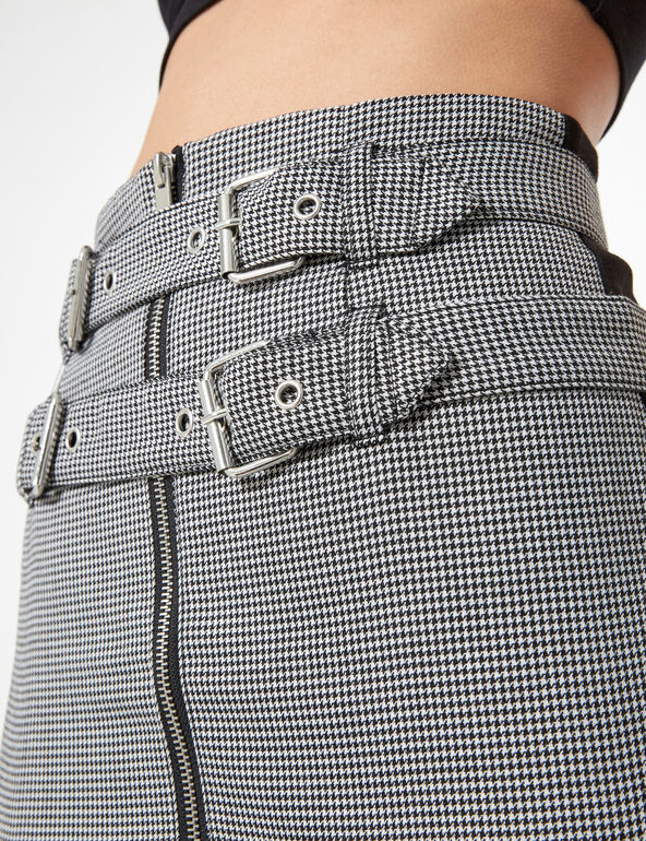 Black and white zipped skirt with belt