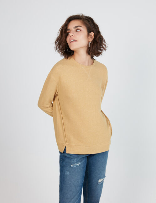 Beige long-sleeved T-shirt
