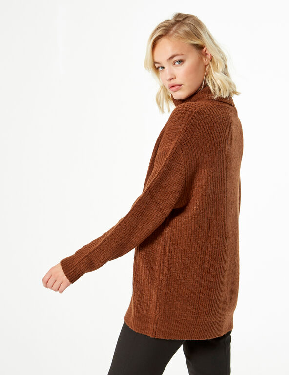 Pull loose col roulé