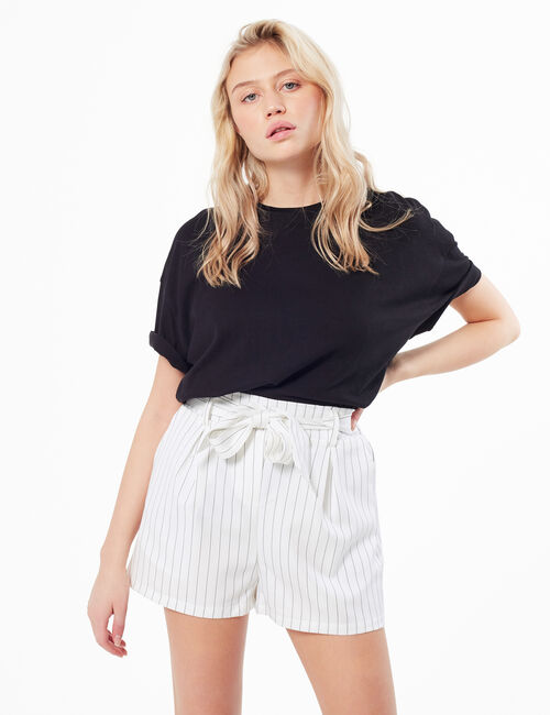 High-wasted striped shorts