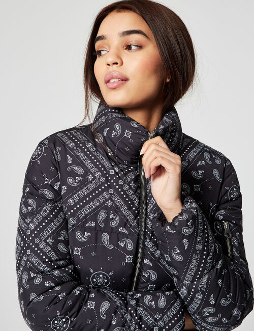 High-necked padded jacket