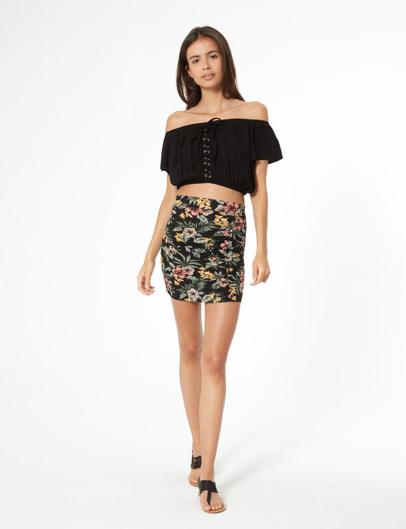 Flowery skirt with pleats