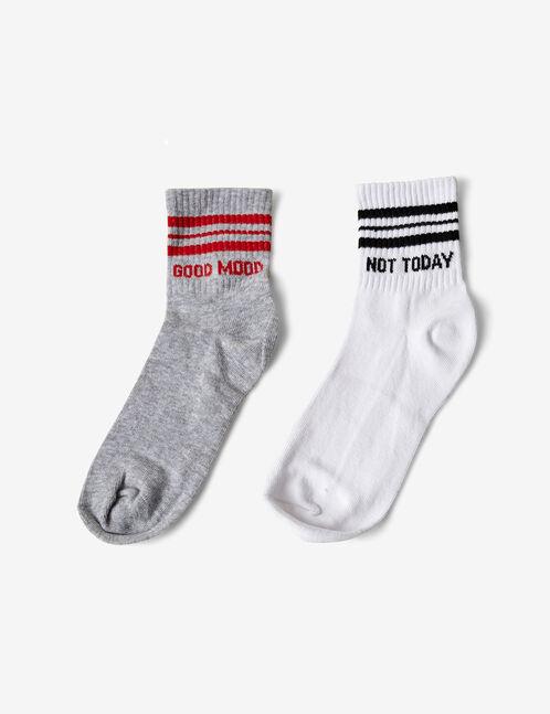 chaussettes sport à messages blanches, grises, noires et rouges