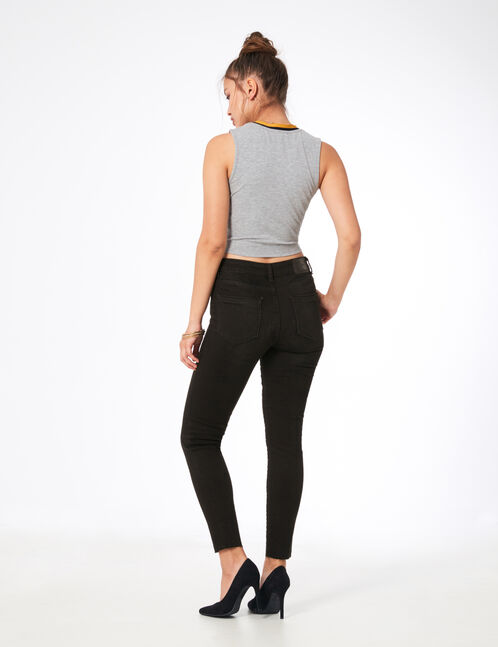 Black low-rise skinny jeans