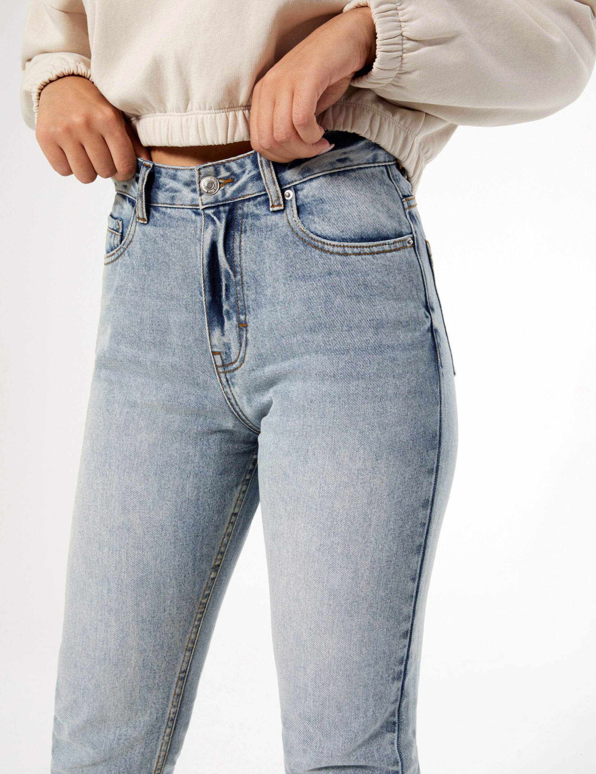 The doll beauty mom jeans