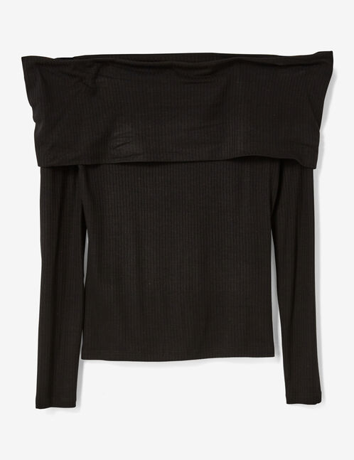 Black off-the-shoulder T-shirt