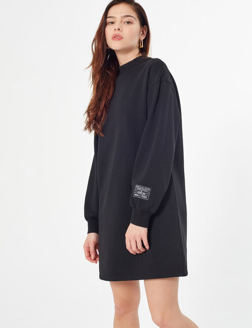 sweatshirt dress with patch
