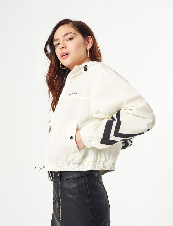 Lightweight jacket with strips