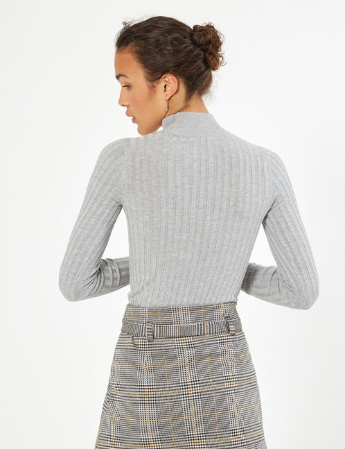 jumper with cut-out detail