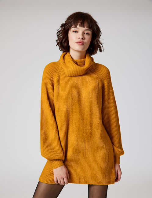 pull long col roulé ocre
