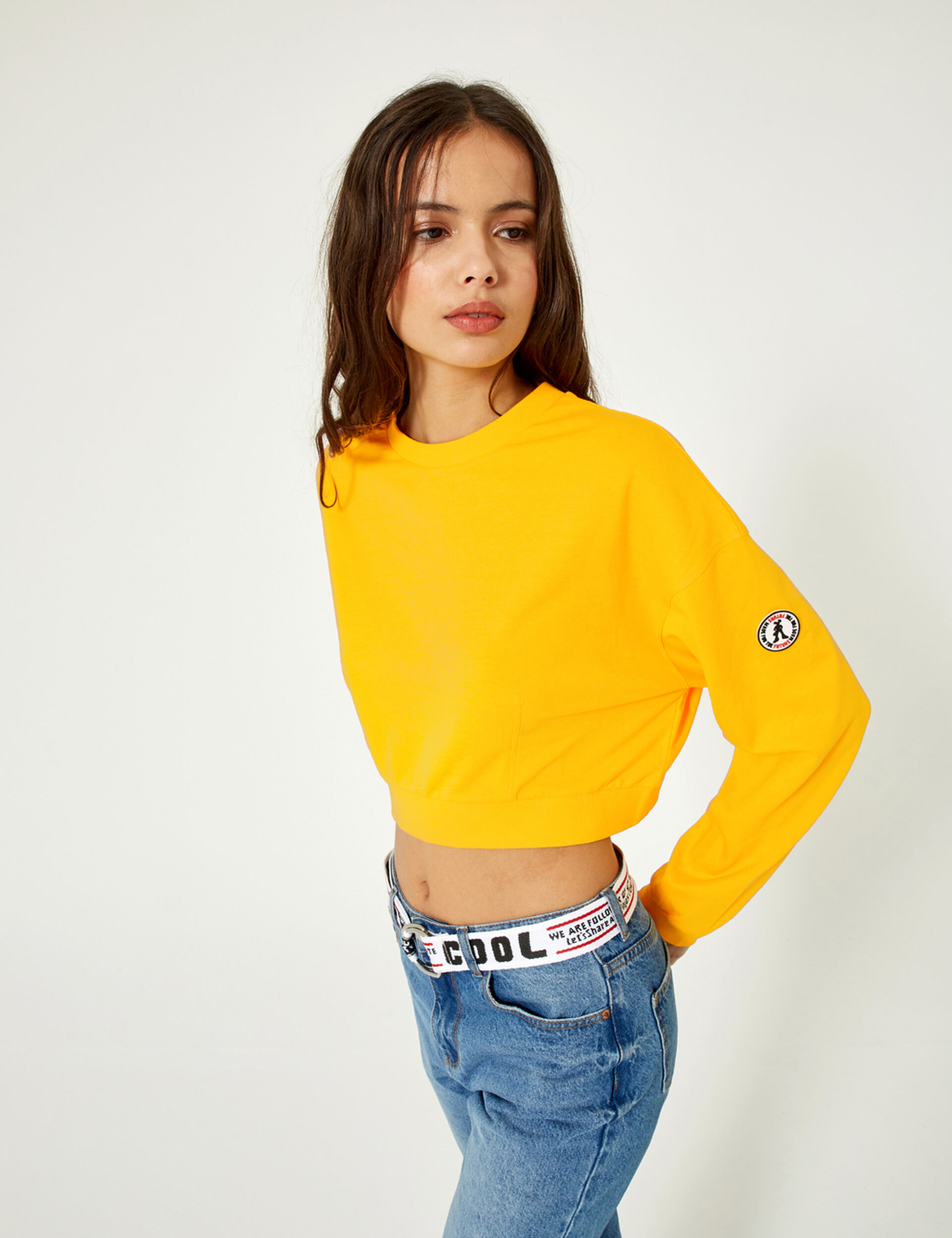 Cropped yellow sweatshirt