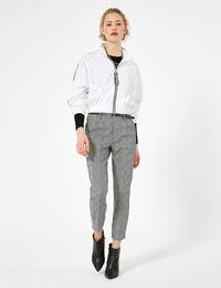 Jennyfer pantalon avec ceinture noir, blanc et vert