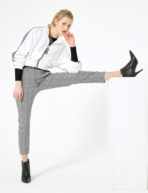 pantalon avec ceinture noir, blanc et vert