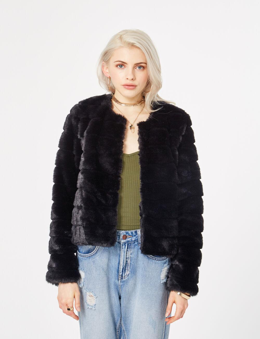 cd6fed67292b0 Veste fausse fourrure noire jennyfer – Mode européenne 2018-2019