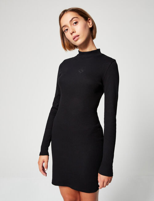 Ribbed dress with motif