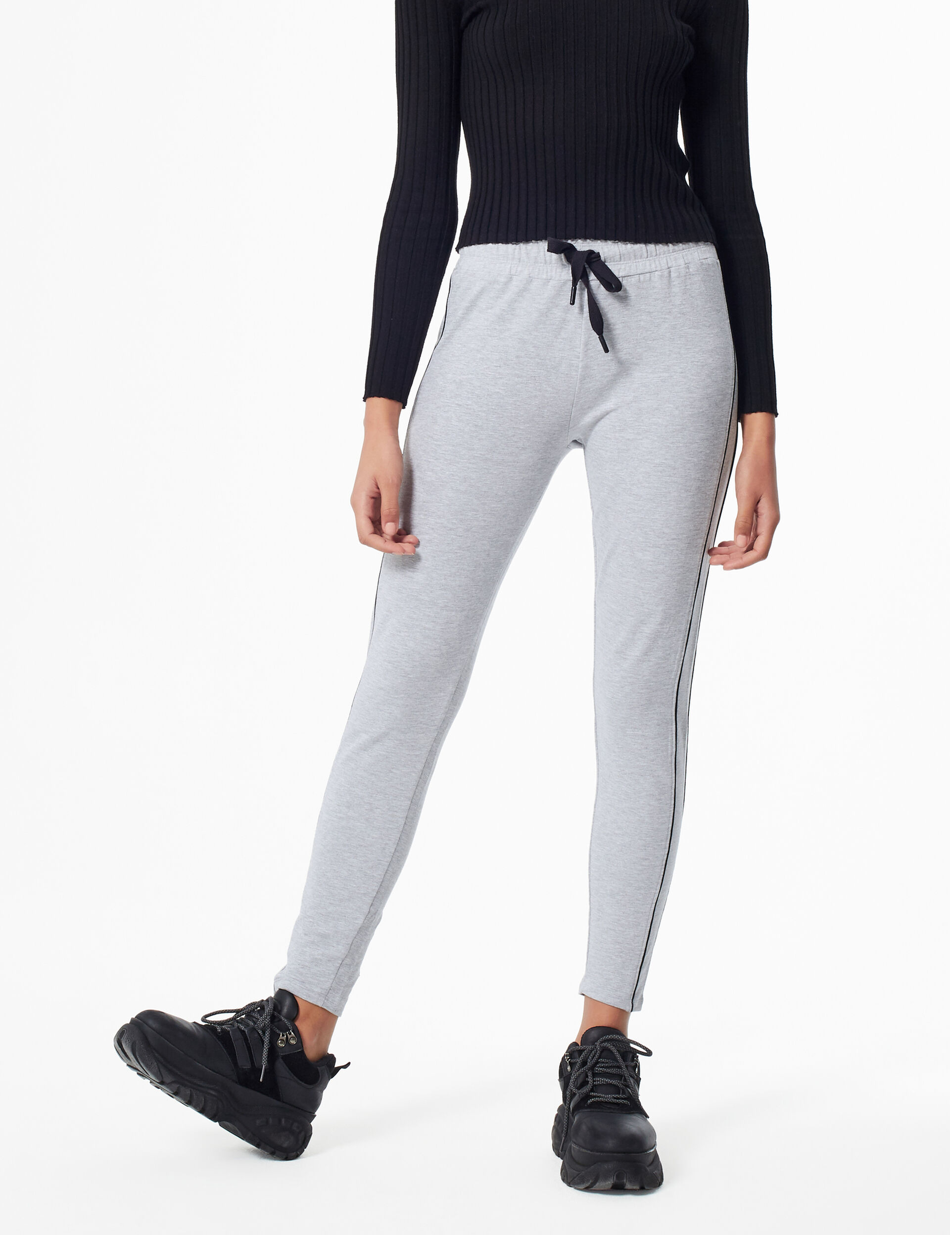 Basic joggers with trim detail