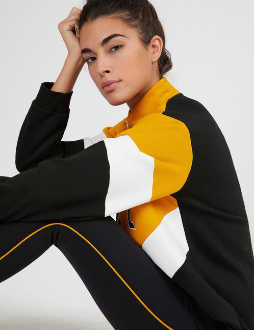 "Ochre, white and black tricolour ""priority"" sweatshirt"