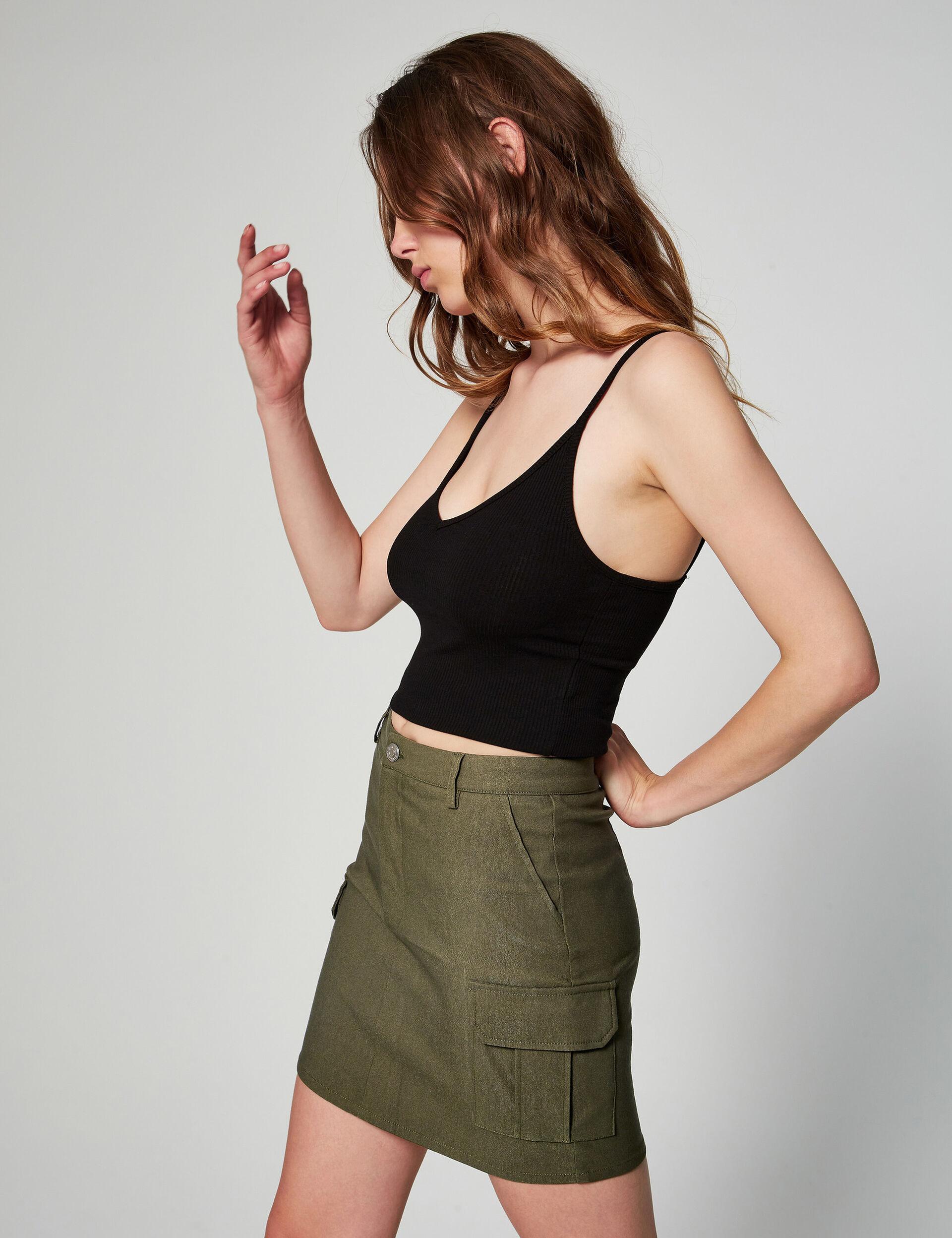 Short cargo skirt