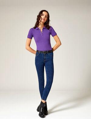 Product Jegging femme, bleu foncé, taille medium, 2 fausses poches et 1 petite  poche devant, 2 poches dos, fermeture zippée boutonnée.  Photos retouchéesMarque Jennyfer Catégorie jeans