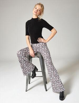 Product Pantalon moulant femme, beige et marron, motif léopard, coupe flare, taille élastiquée. Photos retouchéesMarque Jennyfer Catégorie pantalons