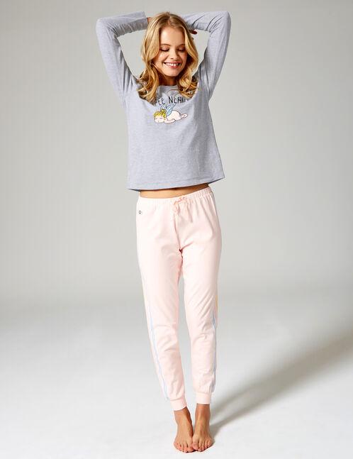 Long grey, light pink, white and light blue pyjamas