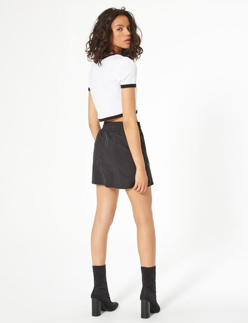 Waterproof skirt with pockets